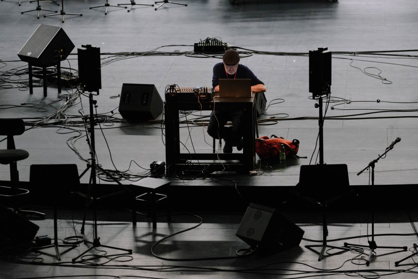 "Berliner Festspiele | MaerzMusik 2018  Deproduction | Thaemlitz & zeitkratzer, Mark Fell  ""multistability live (microtemporal works)"" von Mark Fell 19.03.2018"